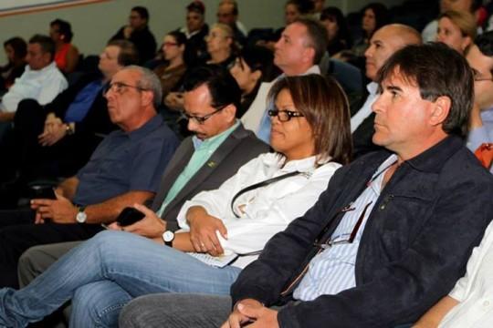 Tareck El Aissami presentó Plan de Inversión 2013 a empresarios