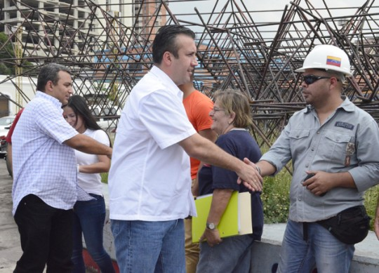 Tareck El Aissami y Pedro Bastidas inspeccionaron obras de rehabilitación de la Plaza Parque Bicentanario