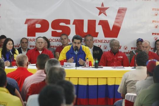 Nicolás Maduro, llegó este lunes a Barcelona, estado Anzoátegui, para sostener una reunión con los integrantes del PSUV