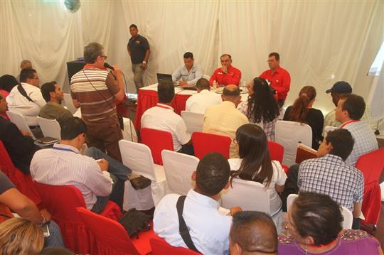 Empresarios centran propuestas en materia prima y financiamiento