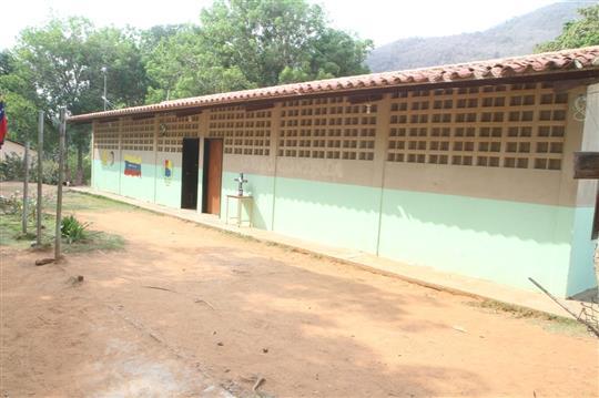 Gobierno Bolivariano de Aragua rehabilita escuela de Cepe (11)