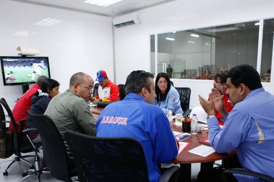 Maduro inauguró primer almacén robotizado de medicamentos
