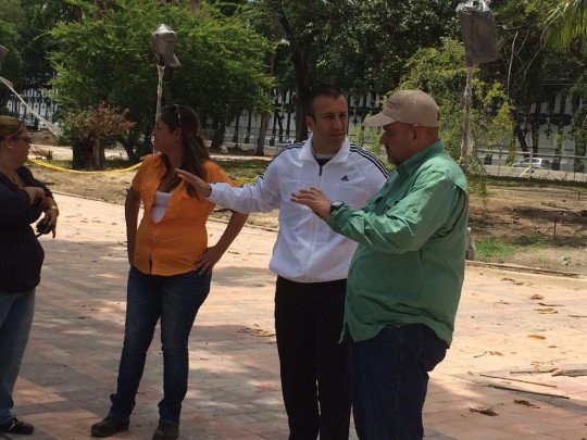 inspeccionaron avances de la Plaza Bolivar de Maracay