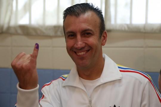 Tareck El Aissami ejerció su derecho al voto en elecciones internas del PSUV