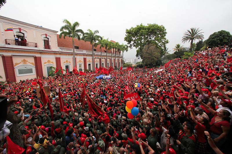 Concentración en el Balcón del Pueblo a 10 años del golpe de 2002