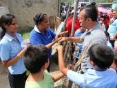 Tareck El Aissami  visitó la comunidad de Rosario de Paya en el municipio Mariño. La caminata empezó alrededor de las 11:00 de la mañana con la participación de las mujeres y hombres de la comunidad. 21 de noviembre de 2012.