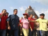 El Aissami participó en la inauguración de la planta socialista de asfalto de San Vicente. Calificó la obra como una de las más importantes para el desarrollo e impulso de los servicios básicos e infraestructura en el estado. 29 de noviembre de 2012.
