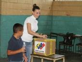 Tareck El Aissami ejerció su derecho al votoecho-al-voto-10