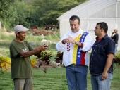 Gobernador El Aissami en unidades de producción agroalimentarias en Aragua. 17 de octubre 2013