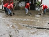 Gobernador El Aissami y su equipo inspeccionan diques afectados por las lluvias en Aragua. 07 de mayo de 2013