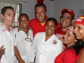 Tareck El Aissami realizó un recorrido y visita a casa por casa en el Sector Brisas de Aragua del municipio Santos Michelena. Durante la visita inauguró un centro de atención médica que fue construido por la propia comunidad organizada. 10 de noviembre de 2012.
