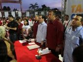 Representantes de los medios de comunicación alternativa que hacen vida en el estado Aragua se reunieron con Tareck El Aissami.  Informó que confirmará un frente de comunicadoras y comunicadores alternativos que integre a los diferentes medios. 20 de noviembre de 2012.