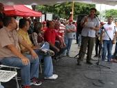 Tarek El Aissami se reunió con representantes del sector transporte en el complejo ferial san jacinto. Ratificaron el apoyo a la candidatura de la Revolución y entregaron un documento con siete propuestas puntuales que desean sean incluidas en el plan de gobierno. 14 de noviembre de 2012