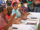 Tareck El Aissami entregó incentivos a atletas. 20 de diciembre de 2013