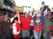 Tareck El Aissami realizó una caminata en la población de La Victoria, municipio José Félix Ribas. Donde anunció que a partir de la próxima semana comenzarán los trabajos de rehabilitación, refracción y equipamiento  en el hospital de Las Tejerías. 1 de diciembre de 2012.