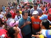 Tareck El Aissami recorrió el el sector Paraparal del municipio Linares Alcántara. Visitó el ambulatorio, una cancha deportiva y el sitio donde permanecen los damnificados de la zona. 28 de noviembre de 2012.