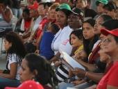 Tareck El Aissami se reunió con pobladores de San Vicente, parroquia Tacarigua del municipio Girardot y aseguró que convertirá a este sector en un ejemplo del trabajo organizado del poder popular. 1 de diciembre de 2012.