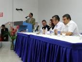 Tareck El Aissami sostuvo una reunión con representantes de la cámara de comercio, pequeña industria e inmobiliaria. Manifestó la intención de trabajar con todos los sectores de la vida económica de Aragua. 30 de noviembre de 2012.