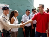 Vecinos de San Vicente acompañaron al gobernador. 23 de noviembre del 2014